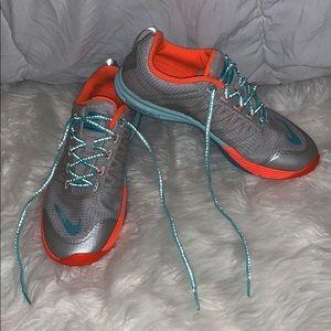 Nike Lunar Cross Element Sneakers